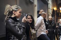 Smirting : Το νέο φαινόμενο στα μπαρ της Αθήνας μετά την απαγόρευση του καπνίσματος