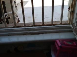 Φωτογραφία για Εικόνες ντροπής στο ορφανοτροφείο Ρόδου: Άθλιες κτιριακές υποδομές με σοβαρά προβλήματα
