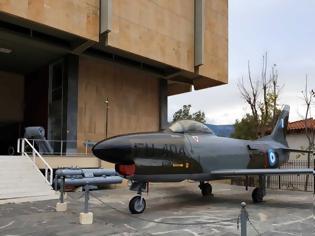 Φωτογραφία για Ολοκληρώθηκε η συντήρηση-βαφή και του αεροσκάφους-εκθέματος του Πολεμικού Μουσείου (ΦΩΤΟ)