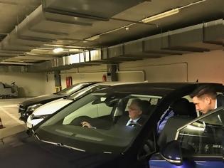 Φωτογραφία για Βουλή: «Πίστα δοκιμών» το πάρκινγκ για τα νέα ηλεκτροκίνητα ΙΧ - Δείτε φωτος
