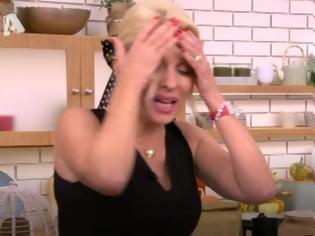 Φωτογραφία για Οι μπηχτές της Ελένης Μενεγάκη στην εκπομπή της: «Μενεγάκη με λένε, δεν ξέρω αν με ξέρετε»
