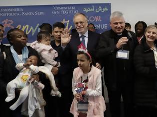 Φωτογραφία για «Ανοίξτε τα μοναστήρια για τους πρόσφυγες από τη Λέσβο» ζητά βοηθός του Πάπα Φραγκίσκου