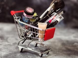 Φωτογραφία για ΕΟΦ: «Επικίνδυνα 15 καλλυντικά που διατίθενται στο διαδίκτυο – Μην τα χρησιμοποιήσετε!»