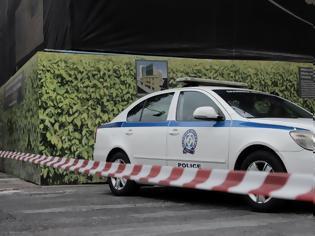 Φωτογραφία για Μαρκόπουλο: Εισβολή με αυτοκίνητο σε κατάστημα με εργαλεία