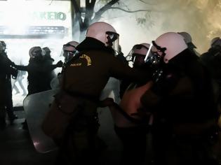 Φωτογραφία για H ΕΛΑΣ ξεκινά εσωτερική έρευνα για τα περιστατικά «αστυνομικής βίας»