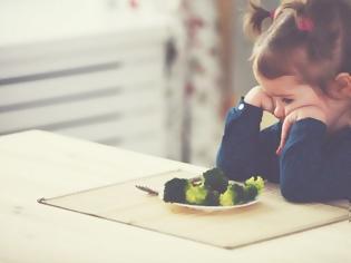 Φωτογραφία για 5 τρόποι για να τρώνε τα παιδιά ό,τι τους σερβίρεις