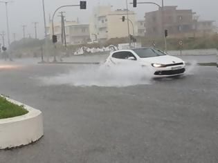 Φωτογραφία για Κακοκαιρία: Επιμένει η «Διδώ» με μπόρες - Έφερε ρεκόρ βροχής - Προβλήματα σε Λάρισα, Εύβοια, Ρόδο