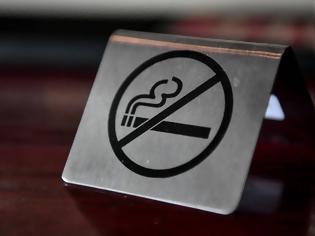 Φωτογραφία για Αντικαπνιστικός νόμος: Έρχονται λέσχες καπνού, πελάτες βγαίνουν για τσιγάρο και δεν γυρίζουν να πληρώσουν