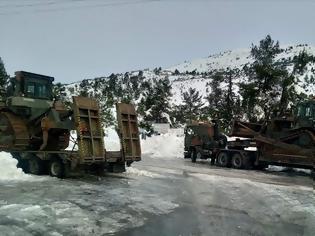 Φωτογραφία για Συμβολή Προσωπικού και Μέσων του Στρατού Ξηράς στην Αντιμετώπιση των Επιπτώσεων της Πρόσφατης Χιονόπτωσης