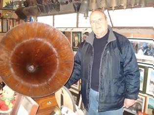 Φωτογραφία για Η μαγεία του γραμμοφώνου στο μουσείο του ΝΙΚΟΥ ΡΑΠΠΟΥ στην Κωνωπίνα Ξηρομέρου! (video)