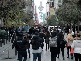 Φωτογραφία για Χλιαρή η αγοραστική κίνηση τα Χριστούγεννα - Σε ποιες περιοχές της Ελλάδας οι έμποροι χαμογέλασαν