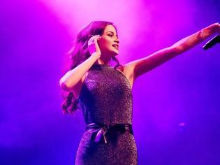 Φωτογραφία για Eurovision: Κερδίζει συνεχώς έδαφος η Στεφανία Λυμπερακάκη