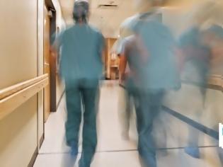 Φωτογραφία για Μπλοκάρει η βαθμολογική εξέλιξη γιατρών στα επείγοντα λόγω διάταξης Πολάκη! Τι καταγγέλλουν οι γιατροί