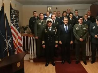 Φωτογραφία για Συγχαρητήρια Ν. Παναγιωτόπουλου στο στρατιωτικό προσωπικό της Ελληνικής Πρεσβείας της Ουάσινγκτον
