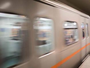 Φωτογραφία για Αποσύρονται μετά τις αντιδράσεις οι αφίσες κατά των αμβλώσεων στο Μετρό