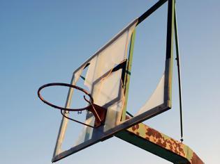 Φωτογραφία για Ξήλωσαν τις μπασκέτες στο δημοτικό γυμναστήριο
