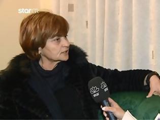 Φωτογραφία για Δίκη Τοπαλούδη - Ξεσπά η μητέρα: «Να χαίρεστε τον δολοφόνο σας», είπε στον πατέρα και τη γιαγιά του Ροδίτη