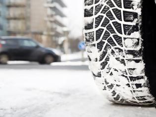 Φωτογραφία για Υπουργείο Μεταφορών: Εξετάζει την υποχρεωτική χρήση χειμερινών ελαστικών
