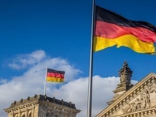 Φωτογραφία για Ψεύδεται - ως συνήθως - η γερμανική κυβέρνηση: «Το Κογκό και όχι η Ελλάδα είναι απαραίτητη για την Λιβύη»