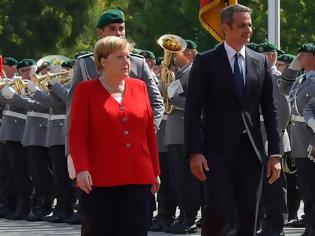 Φωτογραφία για Μέρκελ σε Μητσοτάκη: Δεσμευόμαστε πλήρως με τις θέσεις της Ε.Ε. - Στόχος της διάσκεψης στο Βερολίνο η ειρήνη στη Λιβύη
