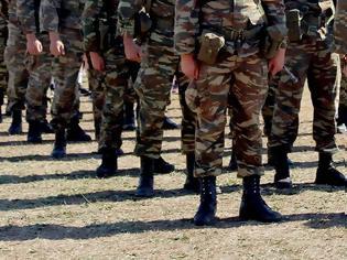 Φωτογραφία για 0 Ελλάδα: Χάνουν τις δουλειές τους στρατιωτικοί, τεχνίτες και διευθυντικά στελέχη