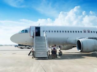 Φωτογραφία για Βρετανία: Τηλεφώνησε για βόμβα για να μην χάσει τη πτήση του - Καταδικάστηκε σε 16 μήνες φυλάκιση