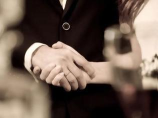 Φωτογραφία για Παντρεύονταν εικονικά με... νεκρούς για την περιουσία τους