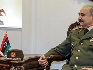 Φωτογραφία για Διάσκεψη για τη Λιβύη: Στο Βερολίνο ο Χαφτάρ - Αγωνία για την κατάπαυση του πυρός