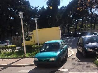 Φωτογραφία για Το παρκάρισμα της ημέρας - φώτος