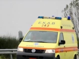 Φωτογραφία για Ένας νεκρός από σύγκρουση φορτηγού με ΙΧ - Ο οδηγός του ΙΧ εγκατέλειψε το σημείο