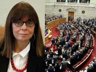 Φωτογραφία για Η Κατερίνα Σακελλαροπούλου πρώτη γυναίκα Πρόεδρος της Δημοκρατίας με 261 ψήφους