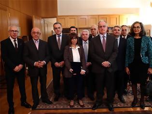 Φωτογραφία για Κατερίνα Σακελλαροπούλου: Η πρώτη της εμφάνιση ως Πρόεδρος της Δημοκρατίας