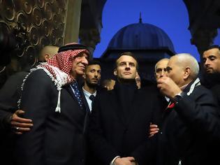 Φωτογραφία για Ιερουσαλήμ: Ο Μακρόν «Περάστε έξω» ισραηλινούς αστυνομικούς από εκκλησία (video)