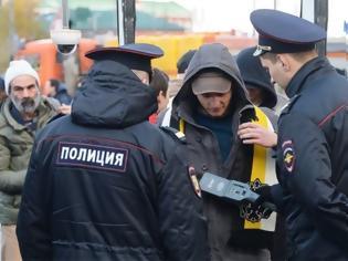 Φωτογραφία για Ρώσος κωμικός έφυγε από τη χώρα, όταν η αστυνομία «ενδιαφέρθηκε για την παράστασή του»