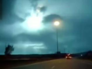 Φωτογραφία για Έκρηξη που ισοδυναμούσε με 100 τόνους ΤΝΤ προκάλεσε ο μετεωρίτης που έπεσε στην θάλασσα νότια της Κύπρου