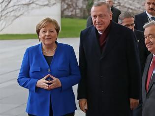 Φωτογραφία για Στην Τουρκία η Μέρκελ μετά το «χαστούκι» για την παράνομη συμφωνία από τη γερμανική βουλή