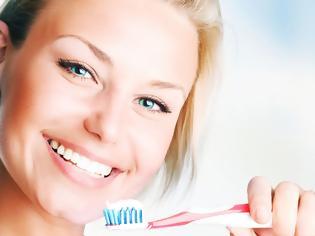 Φωτογραφία για Βούρτσισμα δοντιών: Αυτά είναι τα 5 συχνότερα λάθη