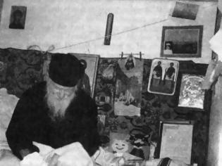 Φωτογραφία για Άγιος Πορφύριος Καυσοκαλυβίτης - Και τη νύχτα στο τηλέφωνο