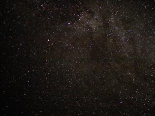 Φωτογραφία για Αστρονόμοι εντόπισαν περίεργα αντικείμενα κοντά σε τεράστια μαύρη τρύπα