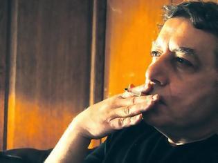 Φωτογραφία για Ποιοι ταράχτηκαν από το άρθρο του Χαριτόπουλου για τα καρφιά του τσιγάρου;