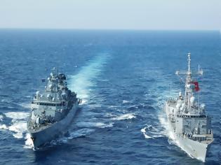 Φωτογραφία για Ποια στήριξη από την Γαλλία; -Το ελικοπτεροφόρο «Dixmude» πραγματοποίησε ασκήσεις με το τουρκικό Ναυτικό