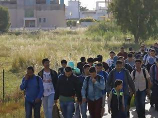 Φωτογραφία για Γεμίζουν την Ελλάδα με 20 νέα κέντρα κράτησης αλλοδαπών - Σε ποιες περιοχές θα ανεγερθούν οι νέες «πόλεις»