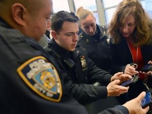 Φωτογραφία για Τα μπλοκάκια της αστυνομίας της Νέας Υόρκης θα αντικατασταθούν σύντομα από iPhones