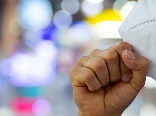 Φωτογραφία για Χαμός με τις μάσκες λόγω του κοροναϊού -Εκατονταπλάσια η ζήτηση