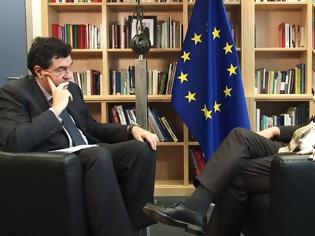 Φωτογραφία για Αποκαλύψεις Γιούνκερ για το Grexit: Το non paper του Σόιμπλε και η στάση της Μέρκελ