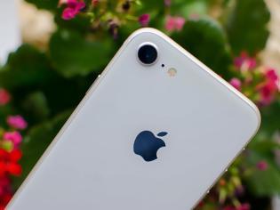 Φωτογραφία για Κυκλοφόρησαν οι πρώτες θήκες για το iphone 9 πριν παρουσιαστεί από την Apple