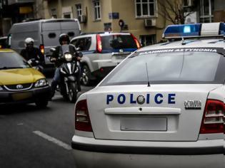 Φωτογραφία για Εξάρχεια: Ξεσκεπάστηκε μεγάλο κύκλωμα ληστών - Οι αστυνομικοί σταμάτησαν ταξί και συνέλαβαν τους Αλγερινούς