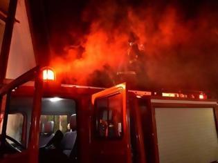 Φωτογραφία για Φωτιά σε δύο αυτοκίνητα στην Καραολή και Δημητρίου