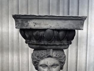 Φωτογραφία για ...ἤξεραν - με ποιον ἄραγε τρόπο; -πως πέτρα ψυχρή ἡ Καρυάτιδα δεν εἶναι...