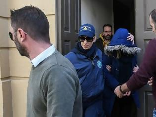 Φωτογραφία για Νεκρό βρέφος στην Πάτρα: Ποινική δίωξη για ανθρωποκτονία στην 27χρονη μητέρα